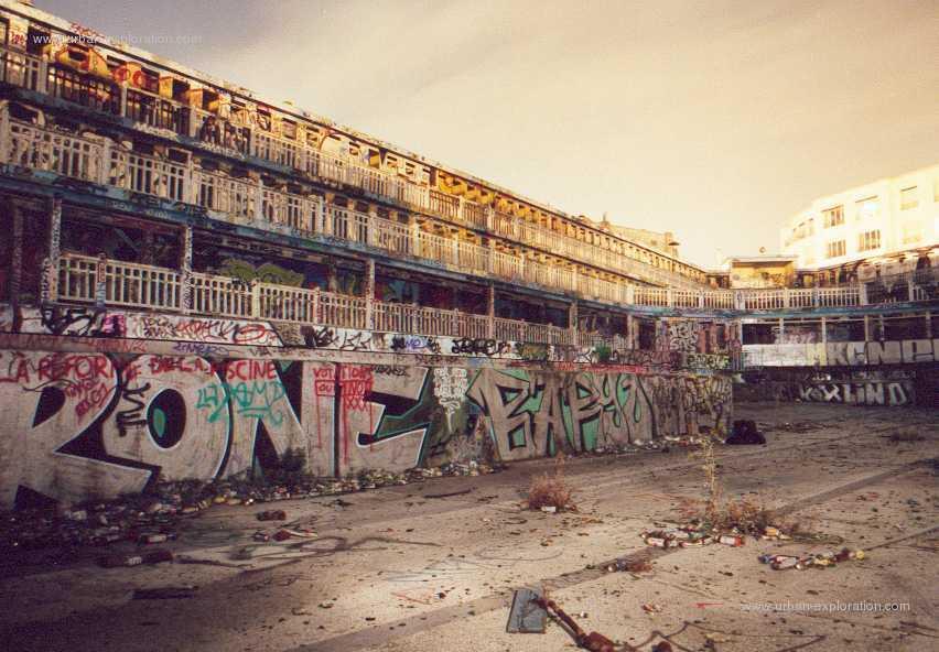 La prima risorsa di esplorazione urbana edificio - Del taglia piscine chiude ...
