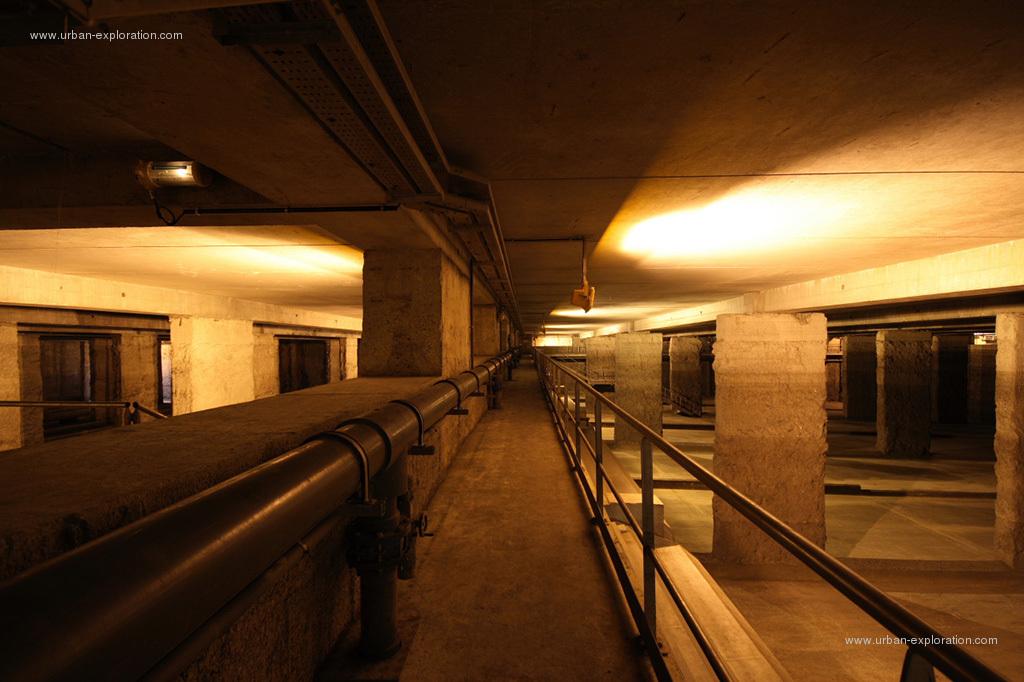 La premi re ressource d 39 exploration urbaine et toiturophile friches toits de paris en - Petit bassin exterieur saint denis ...