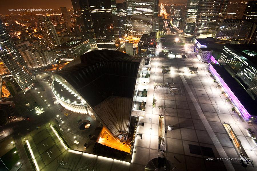 Un joli panorama du toit de la grande arche de la défense
